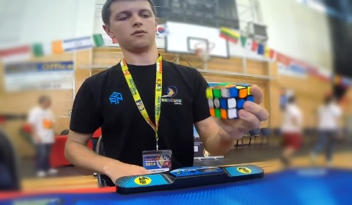 one handed feliks zemdegs